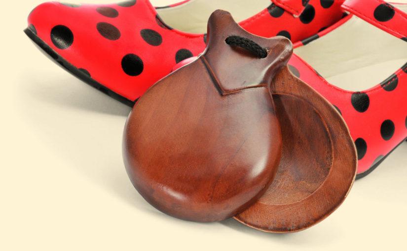 フラメンコで使用する楽器「ギター」と「カスタネット」の使い方と音楽について