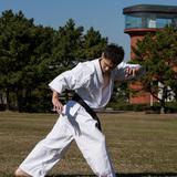 なぜ武道の姿勢は疲れずに集中力を高める事に役立つのか??