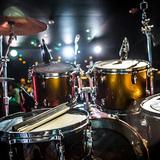 スティックの持ち方から座り方までドラム初心者の基本を解説