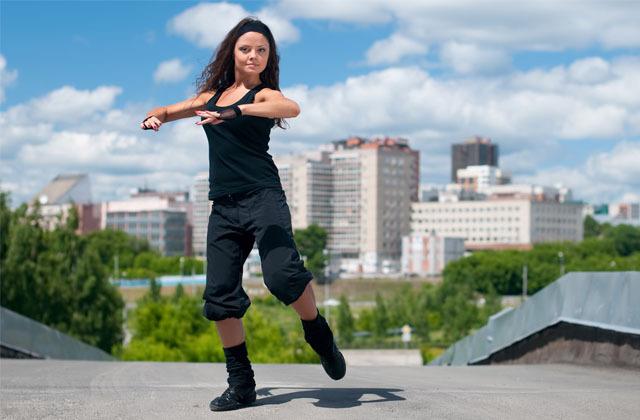 hiphop danceの定番技、ポップコーンをマスターする具体的なダンス練習法