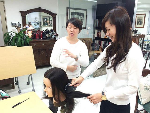 【初めてのヘアアレンジ体験】「す、すごい!」プロの技術を学ぶにはまずは基礎知識から!