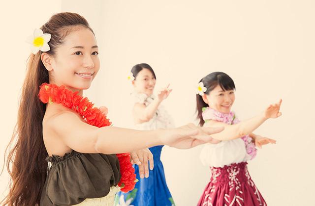 フラダンスはステップとハンドモーションが命!フラダンスの基本を学ぼう