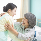 【2021年度版】高齢者をサポートする介護職員初任者研修、確実に修了するには?
