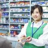 【2021年度版】医薬品を売るには資格が必要? 全国で使える登録販売者の資格取得で年収アップを目指す