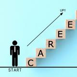 介護業界でキャリアアップ! どんな資格が必要?