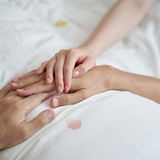 高齢化社会でニーズ高まる、「自分らしい死」をサポートする看取り介護
