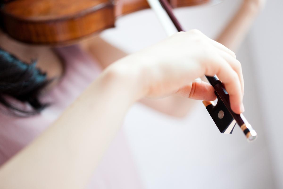 持ち バイオリン 方 弓 バイオリンの弓の持ち方と自分に合ったバイオリンの選び方